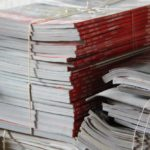 Пачка журналов в макулатуру