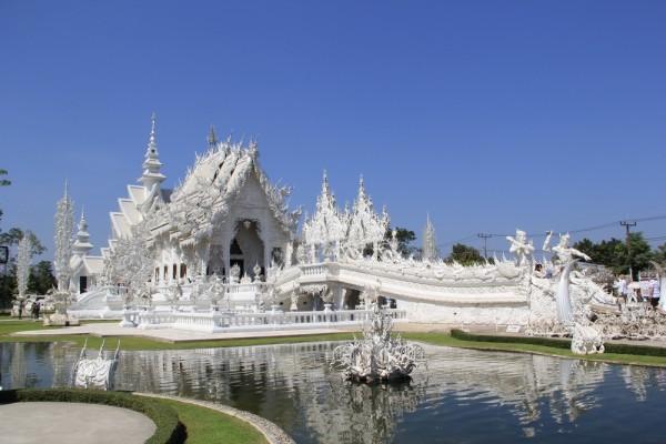Белый храм недалеко от Чианг Рая