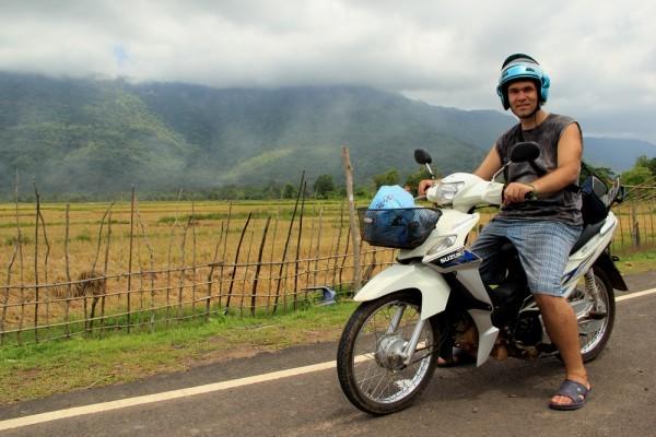 Покатились по Лаосу
