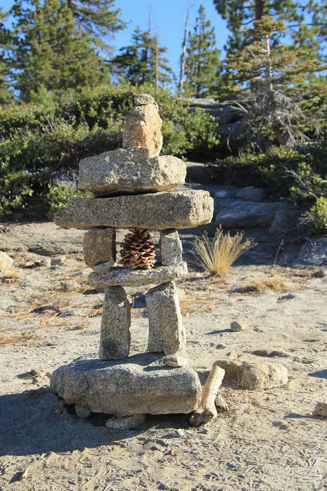 каменная башенка в Йосемити