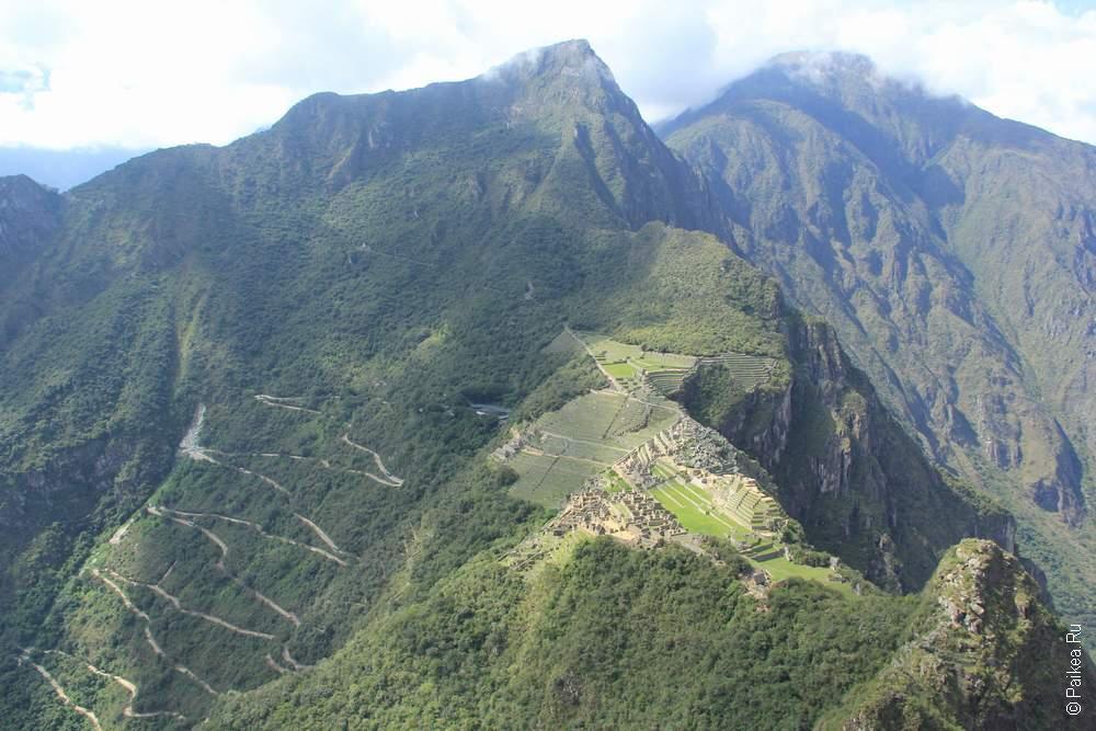 Что ж, вот мы и в Мачу-Пикчу, фото сделано с Уайну Пикчу