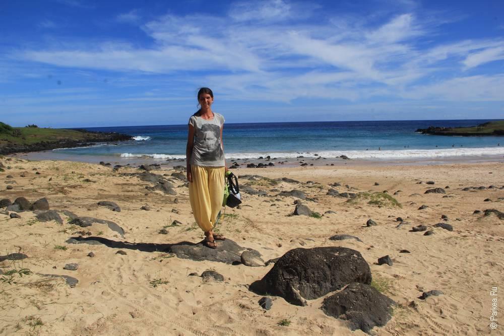 Океан тут красив и даже мягкий песочек имеется