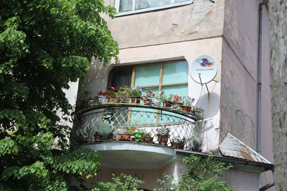 Балкон с цветами в Зеленоградске