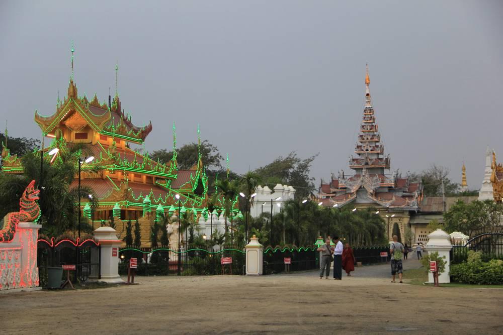 Бирманский стиль в архитектуре