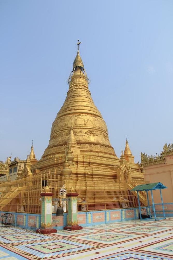 Золотая чеди в мьянме