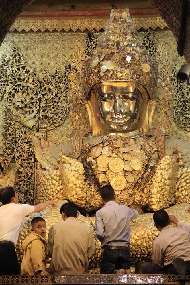 Золотой Будда Махамуни