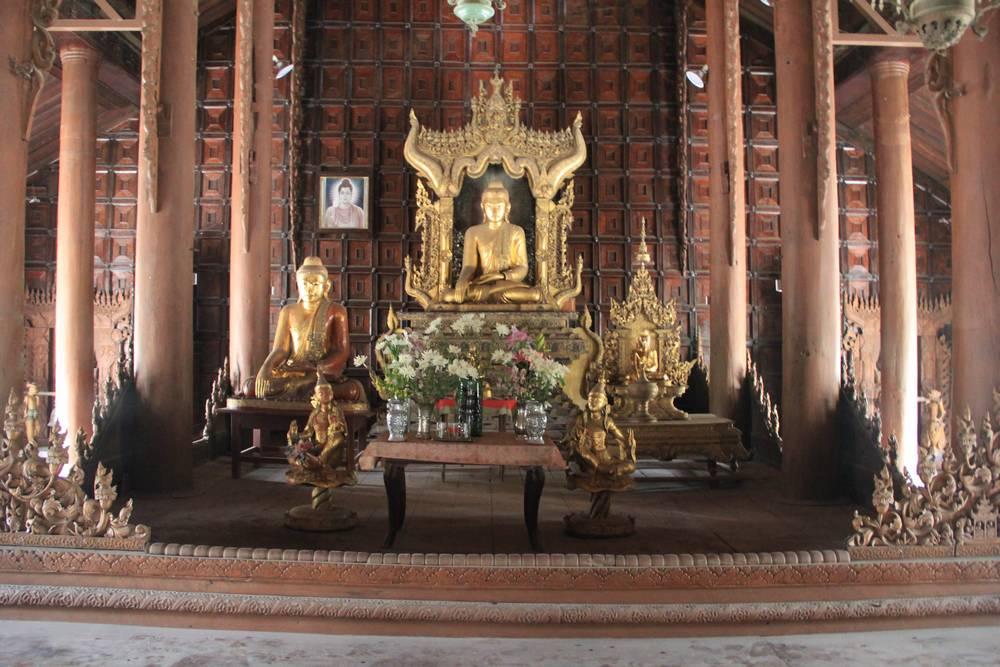 фото внутри буддистского храма