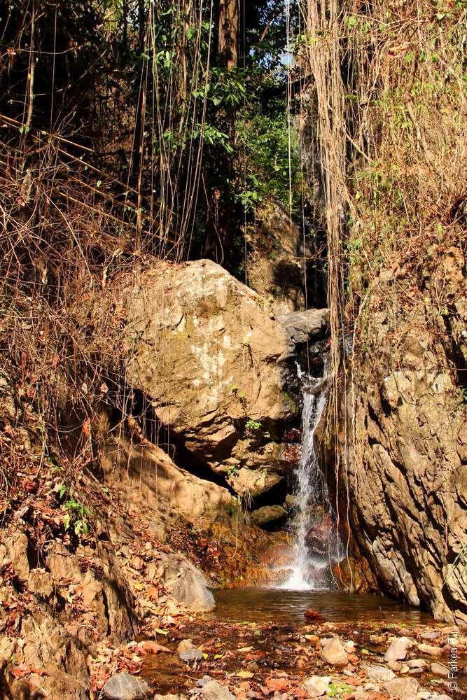 Водопад Мае Кут Лонг