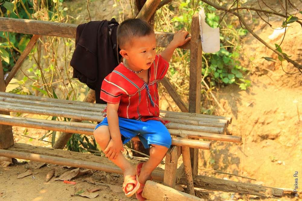 Дервеня каренов в Таиланде