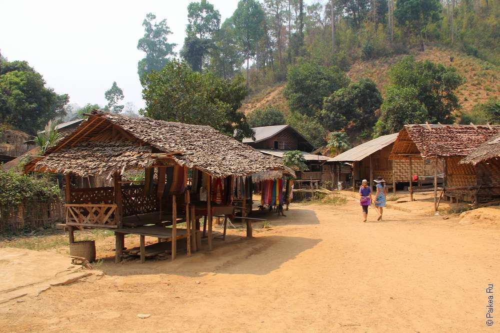 Деревня Длинношеих женщин