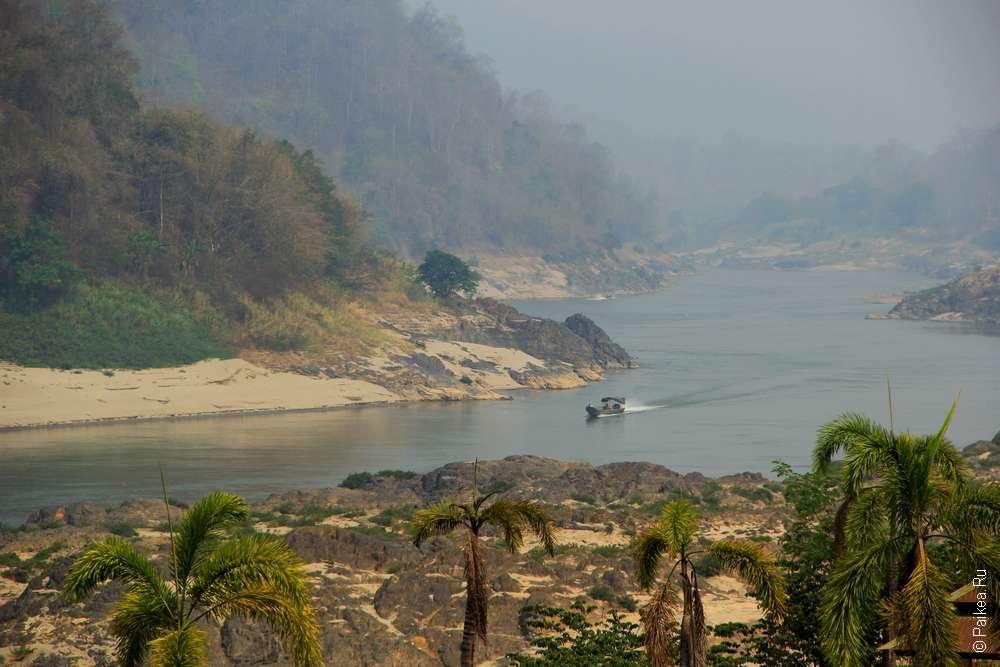 Река Салуин недалеко от Мае Сарианг