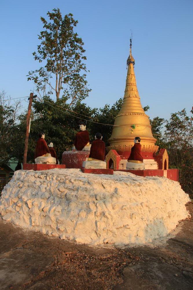 Девять будд пагоды Тейн Даунг
