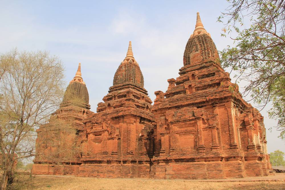 три пагоды мьянма баган