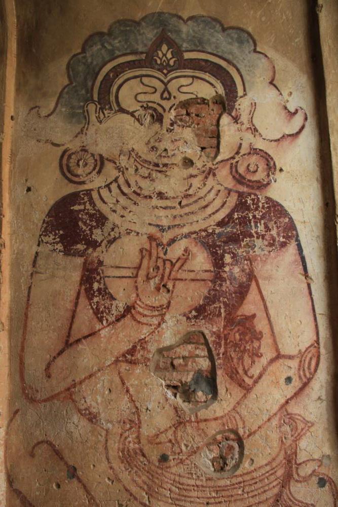 росписи на стенах в пагоде багана