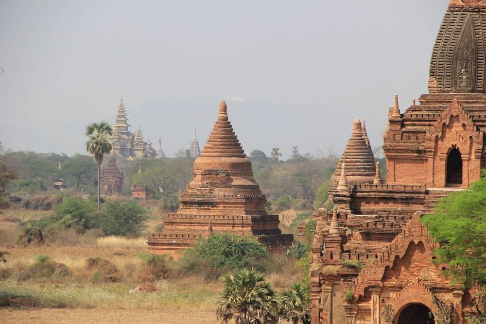вид с пагоды в багане мьянма