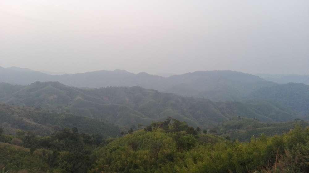 рассвет ранним утром в горах