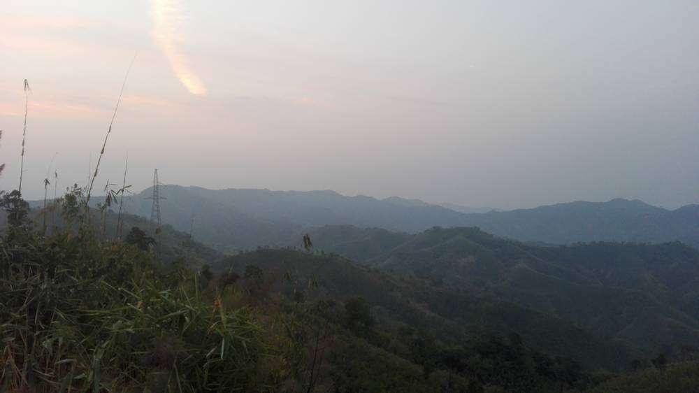 розовый рассвет в горах