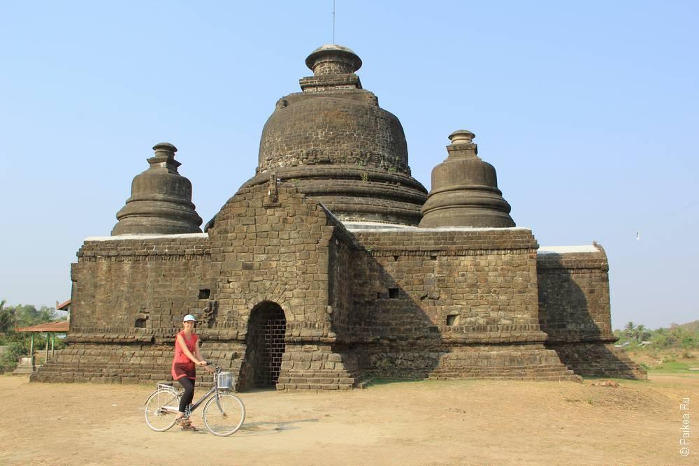 Колоколообразная пагода в Мьянме