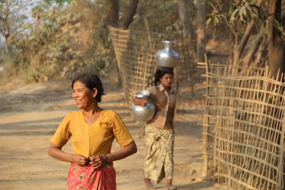 Женщины в Мьянме