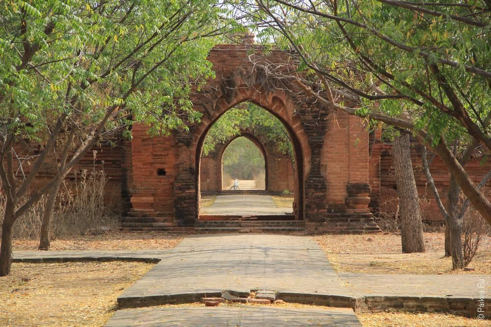 баган монастырь