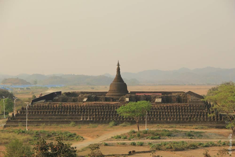 Пагода Ко Таунг в Мраук-У, Мьянма
