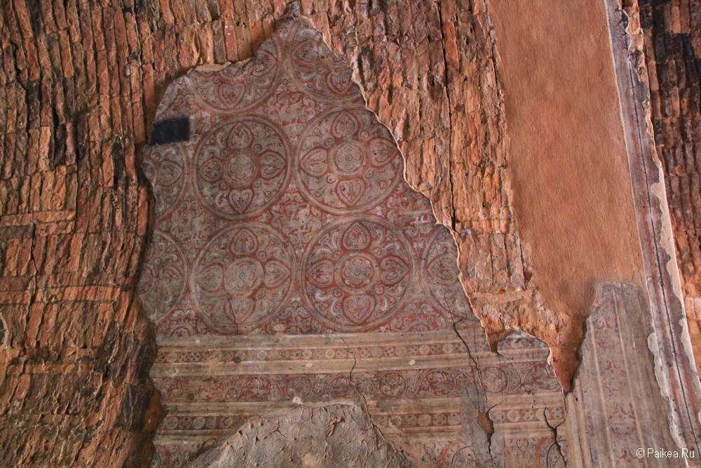 Фрески в храме в Багане