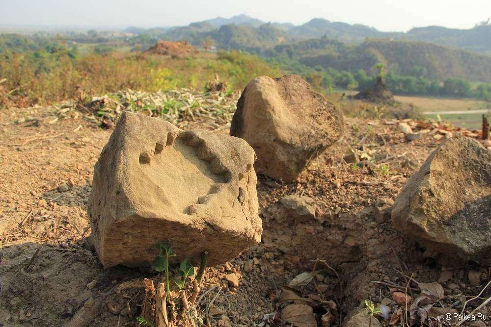 Древний узор в камне в Мраук-У
