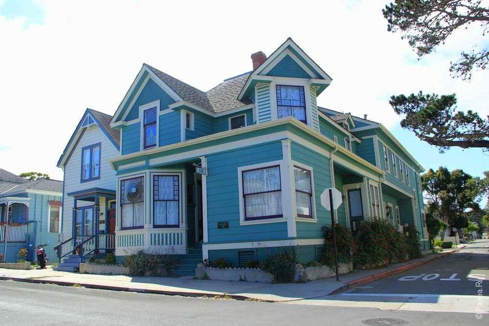 Дом цвета морской волны