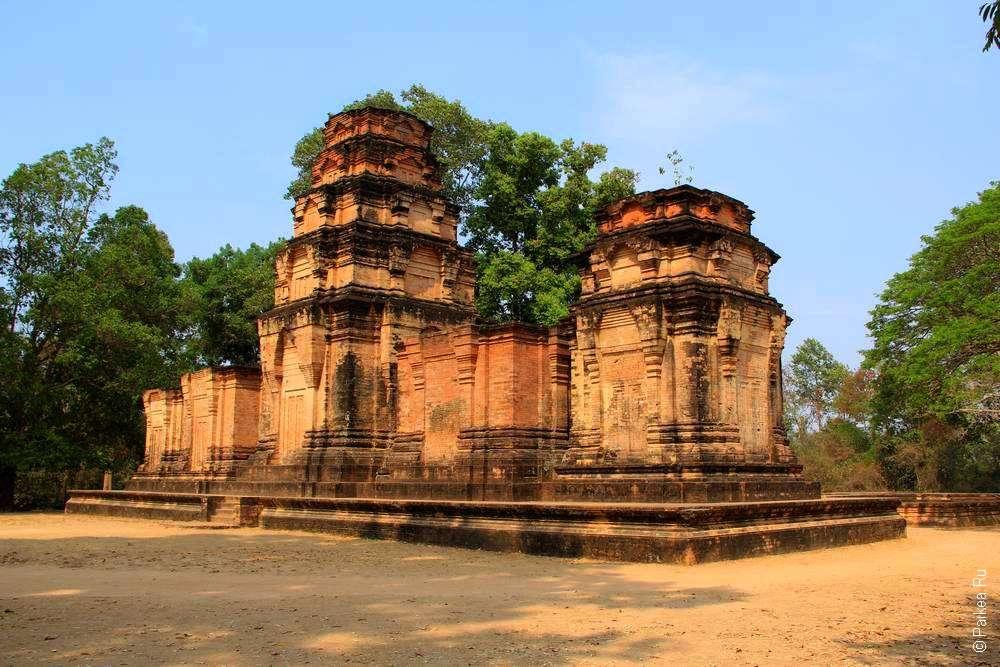 Прасат Краван - небольшой храм Ангкора