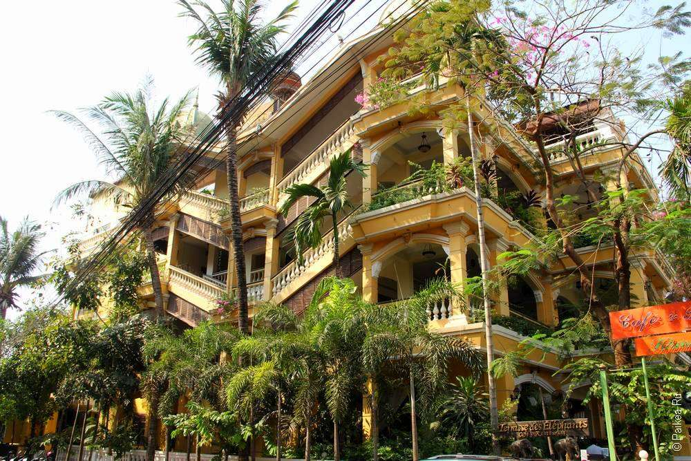 Здание отеля в Сием Рипе
