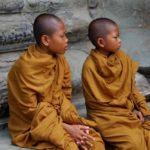 Юные монахи в Ангкор Вате