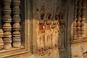 Четыре апсары в Ангкор Вате