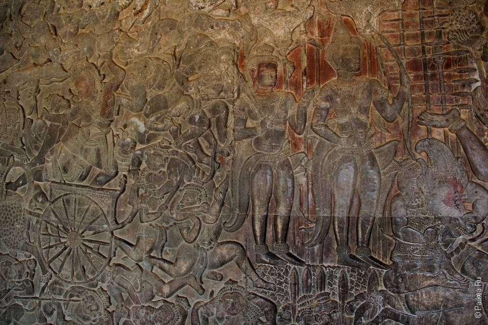 Каменные картины на стенах Ангкора