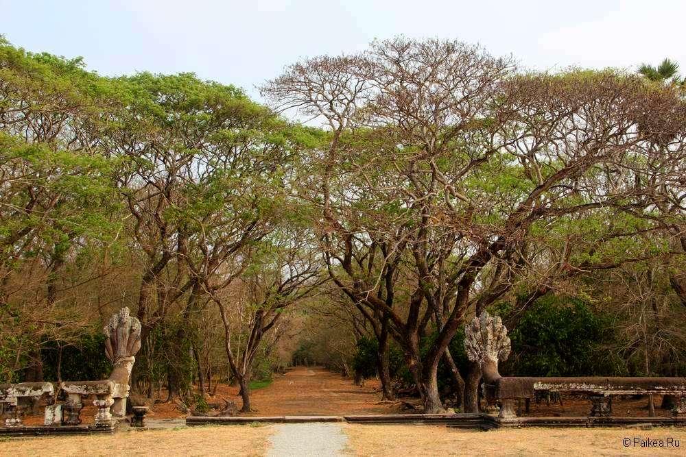 Восточный вход в Ангкор Ват