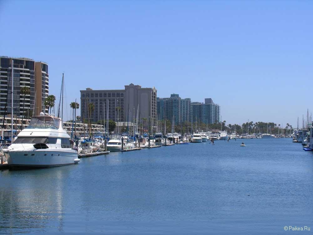Гавань Марина дель Рей в Лос-Анджелесе