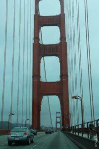 Высокая опора моста Золотые ворота была построена 90 лет назад