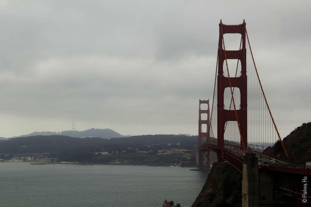 Туманный пролив Золотые Ворота и мост над ним, Сан-Франциско, штат Калифорния, США