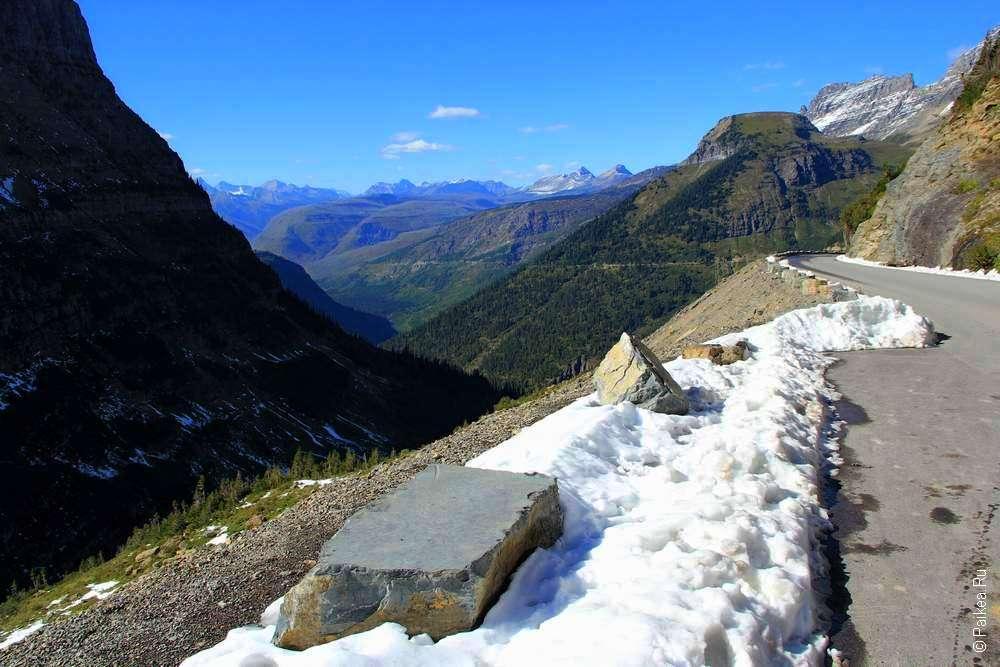 Снег на горной дороге