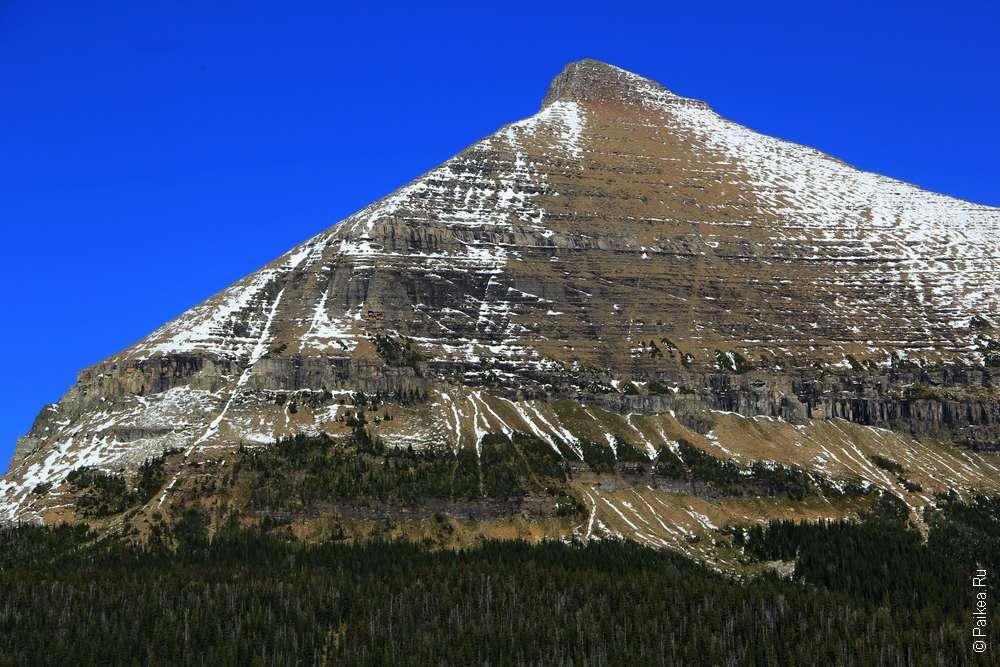 Пирамидальная гора в парке Глейшер