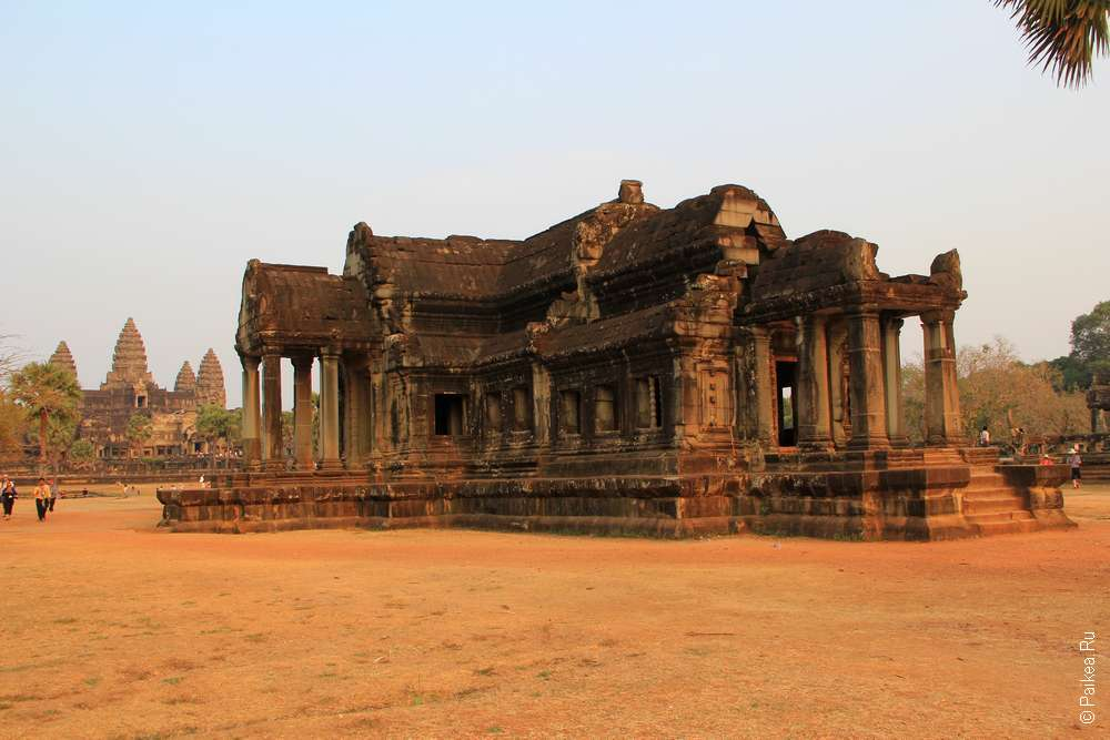 Библиотека в комплексе Ангкор Ват