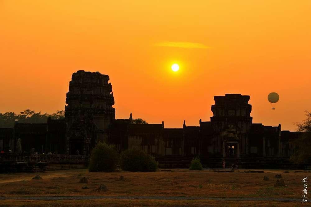 Ангкор Ват закат