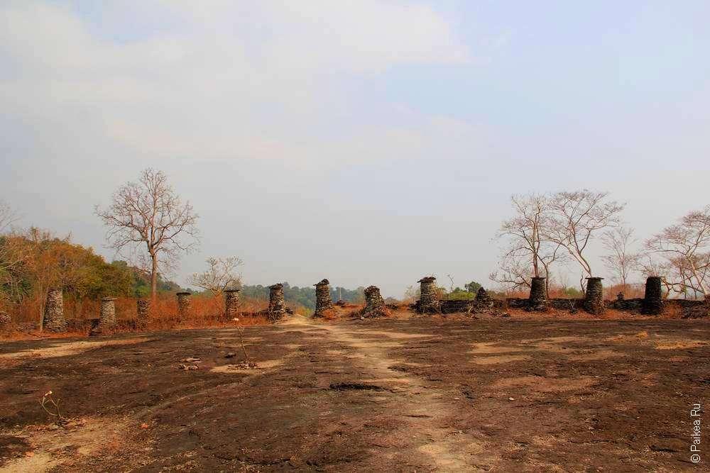 Руины в Юго-Восточной Азии