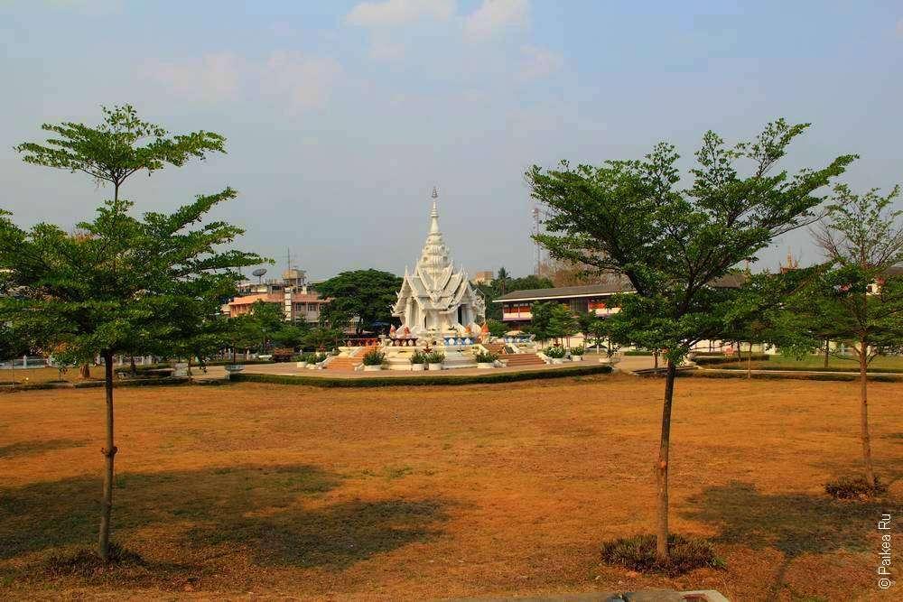 святыня в центре города