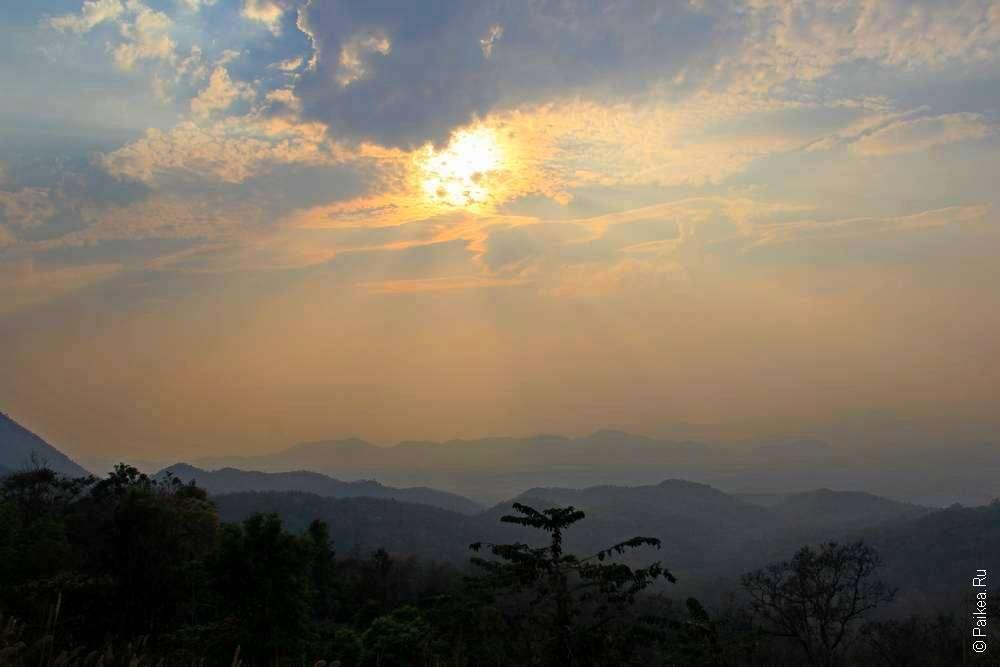 Закат в горах Таиланда