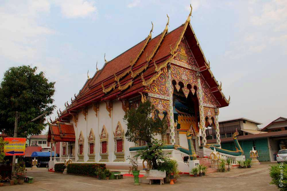 Типичный тайский храм