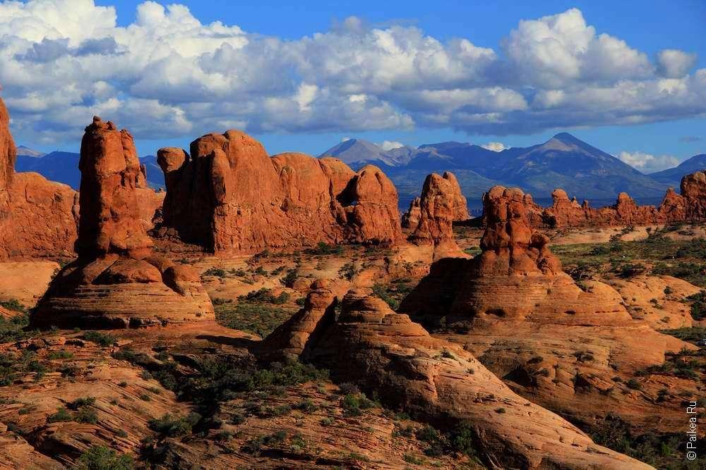 Монолитные скалы в США