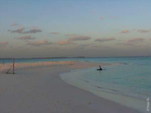 Песчаная коса на Мальдивах