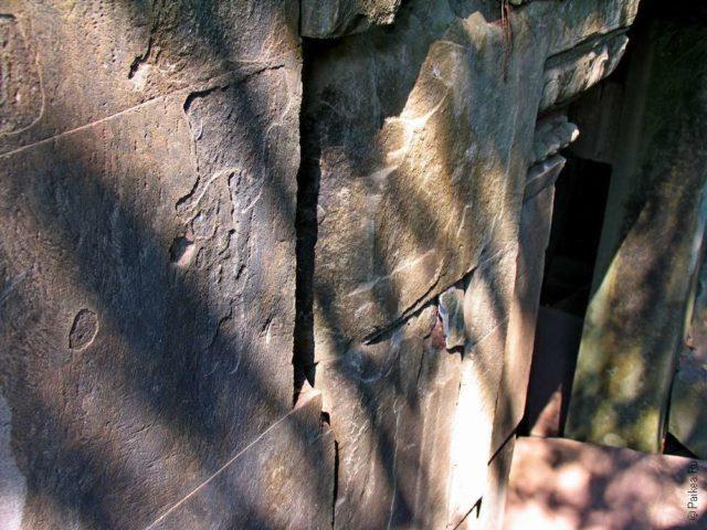 Стены дальнего храма из каменных блоков