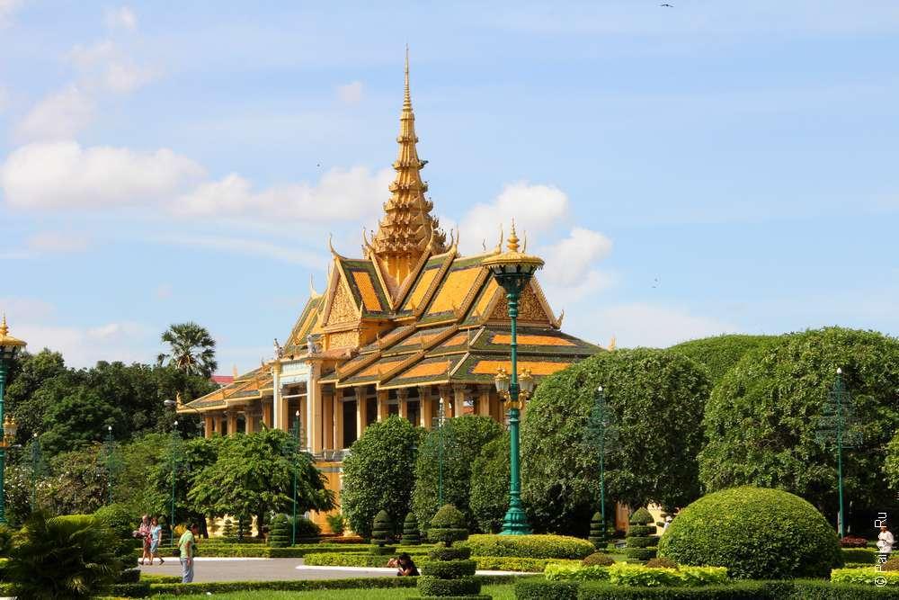 Вид на Королевский дворец в Камбодже