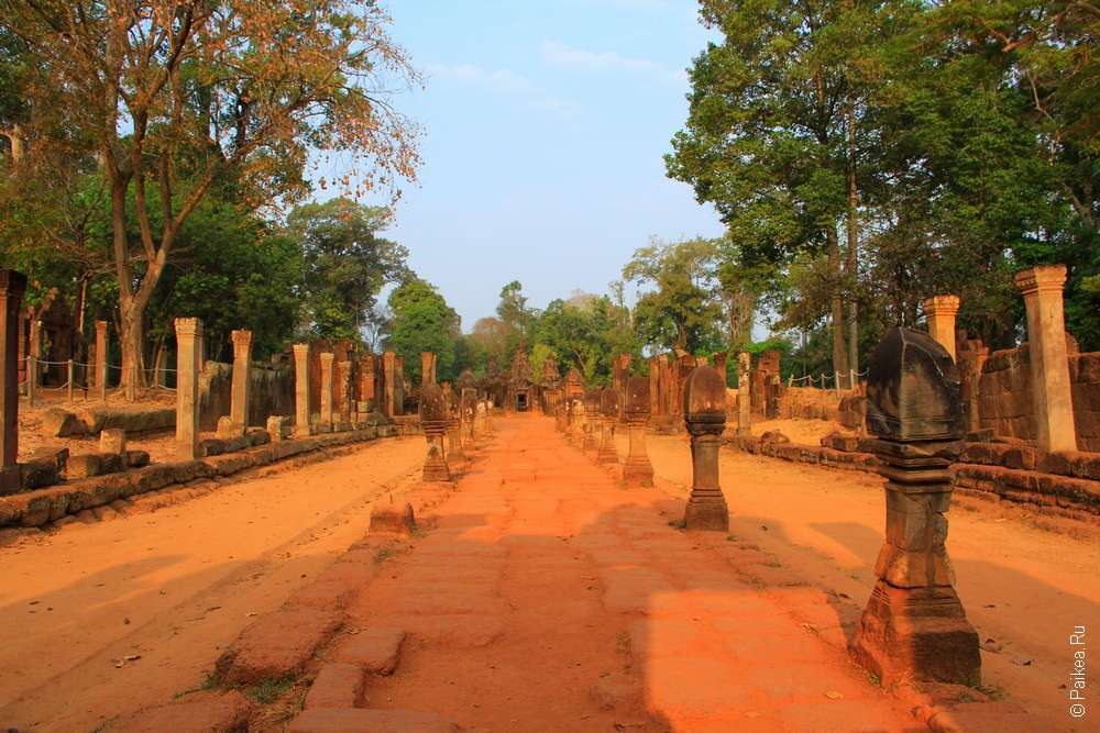 Храм Ангкора Бантей Срей